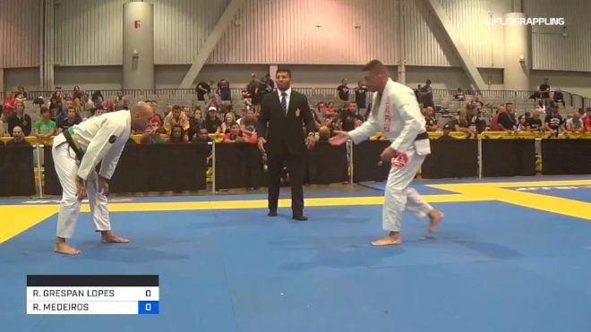 RODRIGO GRESPAN LOPES vs RODRIGO MEDEIROS 2019 World Master IBJJF Jiu-Jitsu Championship