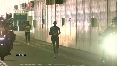 2017 London Marathon Men's Finish - Wanjiru fights charging Bekele (Available in Canada)