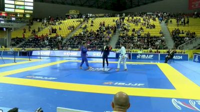 NATHIELY DEJESUS vs TAYANE PORIFIRIO 2018 World IBJJF Jiu-Jitsu Championship