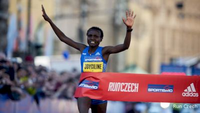 WATCH: Joyciline Jepkosgei breaks half marathon WR in Prague, Hasay runs 67:55, Rupp 61:59