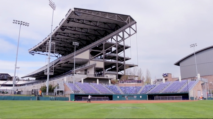 Welcome To Washington's Husky Stadium