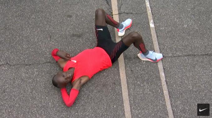 ojo Hobart anfitrión  Eliud Kipchoge Runs 2:00:25 at Nike's Breaking2 Event