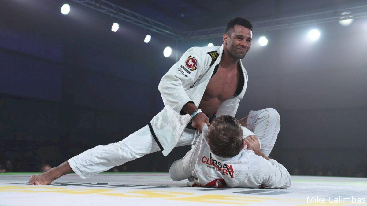 Vitor Oliveira Defeats AJ Agazarm At F2W Pro 41