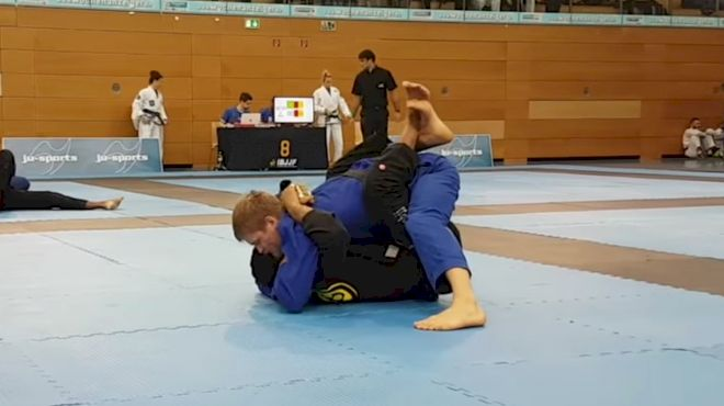 PSA: Don't Try To Choke People From Inside The Closed Guard (Here's Why)