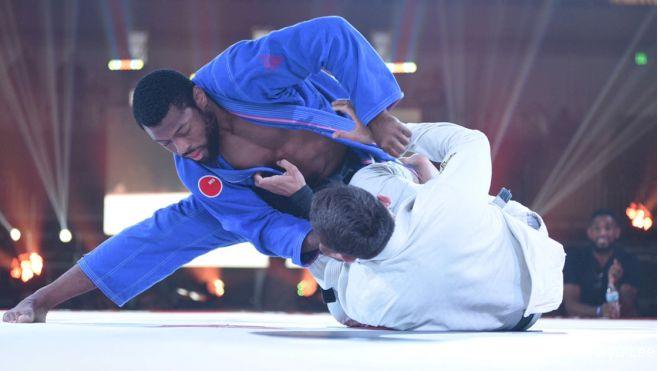 Fight 2 Win 82 Results: Judges Split In Tim Spriggs vs. Matt Leighton