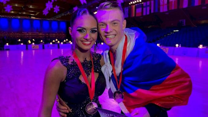 2018 Youth Latin WC Kulikov and  Goroshko