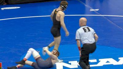133 c, Ethan Lizak, MN vs Austin DeSanto, Iowa