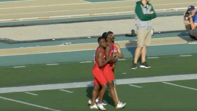 Men's 4x100m Relay - Houston Drops The Stick