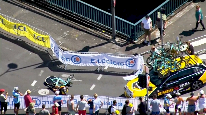 Highlights: Van Aert Crashes Badly In Tour