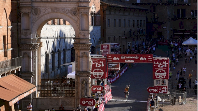 Chasing The Pros: Piazza del Campo Party