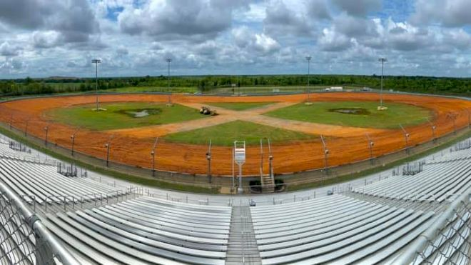 Dirt-Covered Oval Hits Right Notes In Louisiana