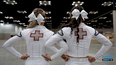ICE Lady Lightning Pays Tribute To Healthcare Workers With Their 2021 Routine