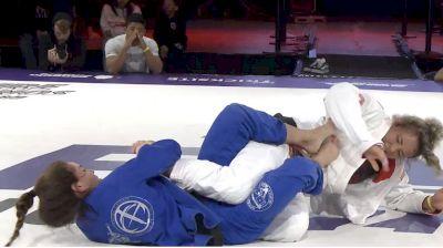 Luiza Monteiro Hits Savage Toehold Finish From 50/50