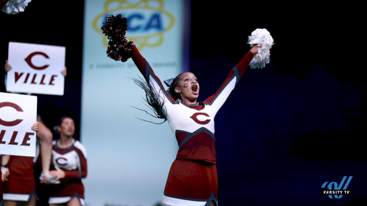 30 Spirited Photos From Super Varsity Game Day
