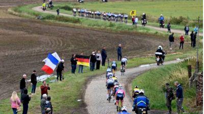Regardez au Canada: 2021 Paris-Roubaix Femmes (FRENCH)