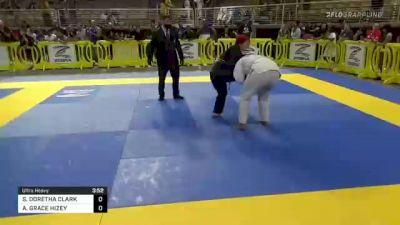 SANAYAH DORETHA CLARK vs ANGELA GRACE HIZEY 2021 Pan Kids Jiu-Jitsu IBJJF Championship