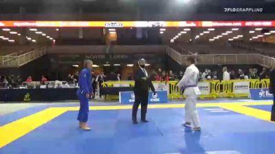 CHRISTINA MARIE MATTHEWS vs ERIN E. STOLZMAN 2020 World Master IBJJF Jiu-Jitsu Championship