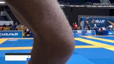 ATHOS RIBEIRO DE MIRANDA vs MATTHEW HENRY KOCAL 2019 World IBJJF Jiu-Jitsu No-Gi Championship