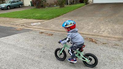 Landon look ma no training wheels