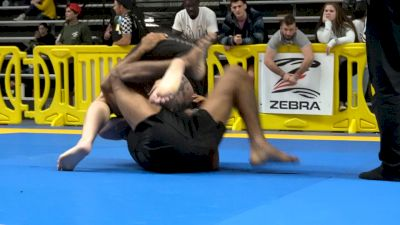 David Garmo Gets Another Highlight Reel Guillotine Finish