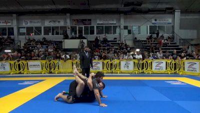Tex Johnson Elevates Ultra-Heavyweight into Triangle Choke