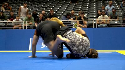 Pierre-Olivier Leclerc Hits A Tricky Counter Heel Hook