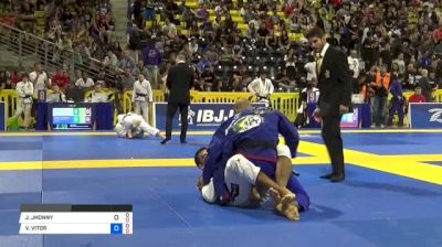 JHONNY SOUZA vs VITOR OLIVEIRA 2018 World IBJJF Jiu-Jitsu Championship