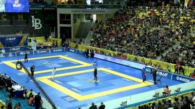 LEONARDO SAGGIORO vs OSVALDO MOIZINHO 2018 World IBJJF Jiu-Jitsu Championship