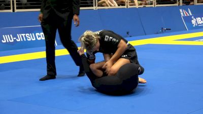 Ffion Davies Finds An Armbar In Unsual Mount Exchange
