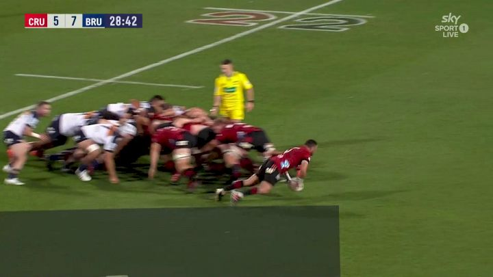 Richie Mo'unga with a Spectacular Try vs Brumbies